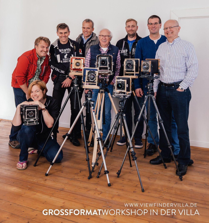 Die Workshopgruppe mit den großen Kameras